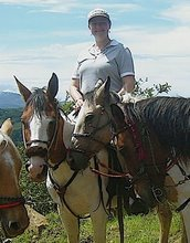 susan is now our best neighbor - making friends with horses in Monteverde Costa Rica